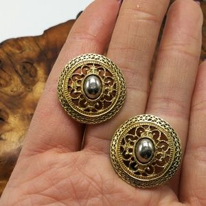Vintage round gold filigree silver cameo French
